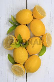 Zitrone Zitronen Früchte hochkant von oben