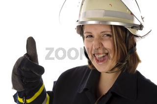 Junge Feuerwehrfrau in Uniform