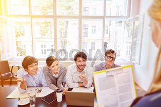 Start-Up Geschäftsleute bei Business Meeting
