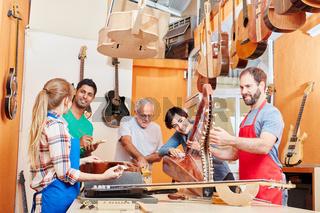Gitarrenbauer Kleinbetrieb mit Tradition
