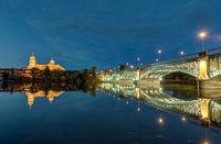 Kathedrale und Brücke in Salamanca