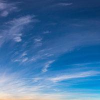 Quadratischer Himmel mit Wolken