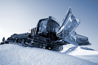 Piste machine (snow cat)