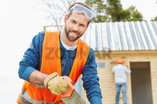 Zimmermann beim Neubau eines Hauses