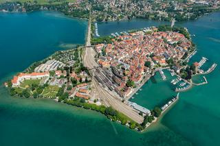 Luftaufnahme Insel Lindau mit Hafen und Yachthafen