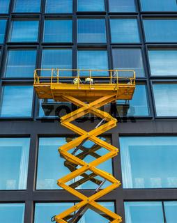Scissor Lift Office Block