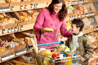 Grocery store shopping -  Brown hair woman with child