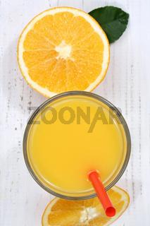 Orangensaft Orangen Saft Orange Fruchtsaft von oben Hochformat Frucht Früchte