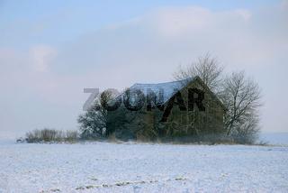 Holzhuette im Winter - Bayern