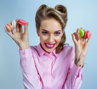 Woman with colourful macaroons