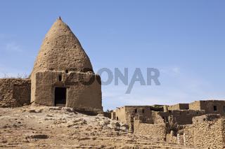 Lehmziegel-Bauten in Oase Bahariya