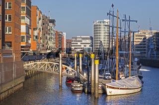 Traditionsschiffhafen im Sandtorhafen, Sandtorkai in der Hafencity von Hamburg, Deutschland
