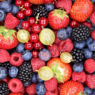 Beeren Früchte Beere Frucht Erdbeeren Himbeeren Blaubeeren von oben