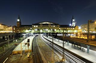 Der Hamburger Hauptbahnhof bei Nacht
