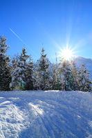 sonniger Wintertag im Gebirge