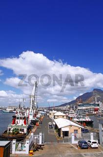 Hafen an der Waterfront in Kapstadt, Südafrika, port at Waterfront in Cape Town, South Africa