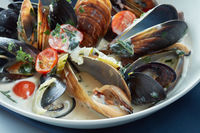 Mussels steamed just for eating in a blue dish