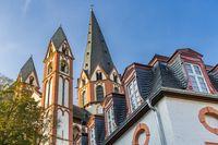 Limburger Dom (Sankt Georg Dom) in Limburg an der Lahn, Deutschland, Ansicht aus Innenhof Limburger Schloss