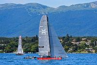 Segelboot SUI 5 Team Tilt segelt auf dem Genfersee,  Regatta Bol d'Or Mirabaud, Genf, Schweiz