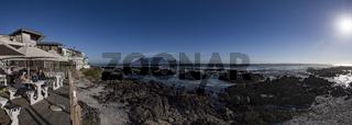 On the rocks, Bloubergstrand mit Tafelberg