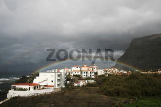 Regenbogen ueber Valle Gran Rey, La Gomera.