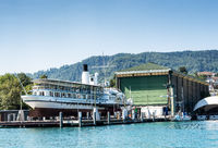 Schiff in einer Werft in Zürich in der Schweiz