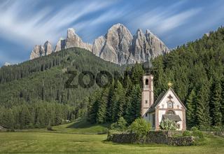 Kirche St. Johann in Ranui, Villnößtal, Südtirol, Italien, Europa