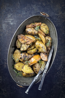 Barbecue POtatoes and Quince in Copper Pot