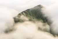 Nebelstimmung in den Bergen, Flakstadoeya, Lofoten