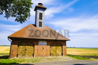 Feuerwehrhaus in Mödlich, Gemeinde Lenzerwische, Brandenburg, Deutschland