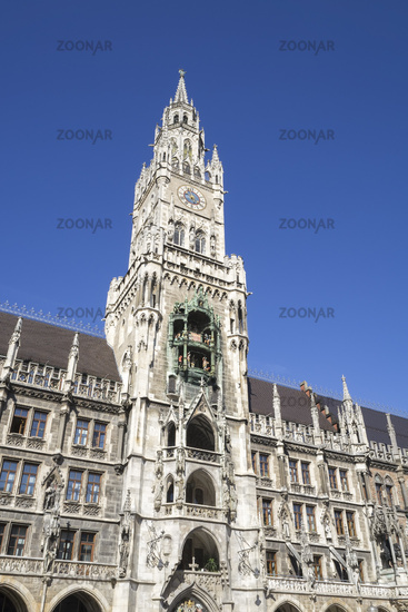 the famous city hall in Munich