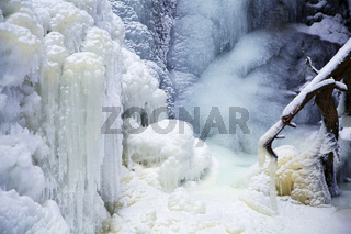 völlig eingefrorener Falkauer Wasserfall