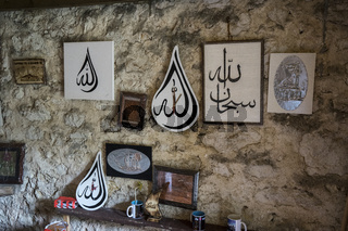Islamische Andenken in der Mittelalterlichen Festung von Kljuc, Bosnien