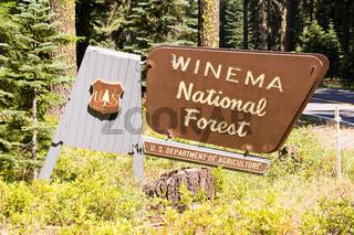 National Forest Sign Boundary Winema Public Use Land