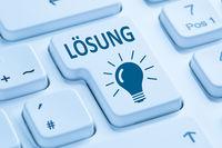 Lösung finden Problem Konflikt Button Computer Tastatur blau