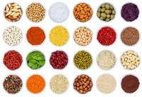 Kräuter und Gewürze Gemüse Sammlung Nüsse Kraut von oben isoliert freigestellt Freisteller