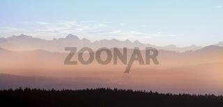 Alpenpanorama mit Gross Windgällen und Chaiserstock, Schweiz