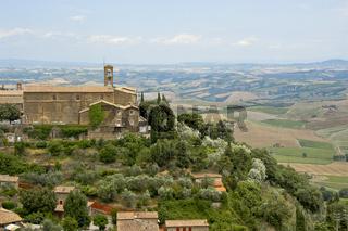 Kirche von San Francisco , toskanischen Stadt Montalcino, auf einem Hügel, Toskana, Italien, in der