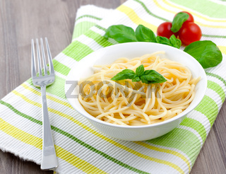 Spaghetti in Schale / spaghetti in bowl