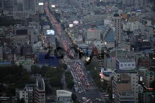 Hauptstrasse  in der koreanischen Hauptstadt Seoul