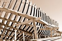 Schiffsskelett aus Holz old.jpg