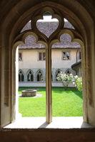 Masswerkfenster im Kloster