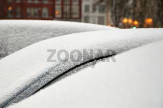 Eingeschneite Autos in Lübeck