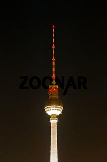Berliner Fernsehturm in der Nacht. Deutschland