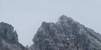 Hindelanger Klettersteig mit Gipfel des Wengenkopf im Nebel