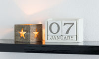 White block calendar present date 7 and month January