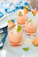 Fruchtige Melonensuppe