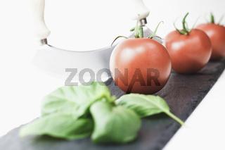 Italienische Tomate liebt Basilikum