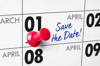 Wall calendar with a red pin - April 01