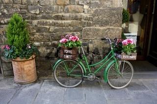 Florenz, Fahrrad mit Blumen